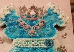 Cupcakes-Cakes