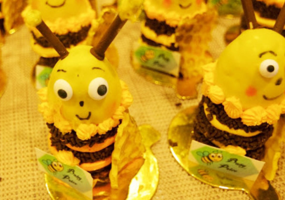 299_210_cupcakes